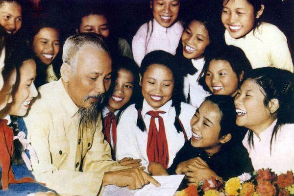 Ca khúc mới 'Chúng em yêu Bác Hồ Chí Minh'