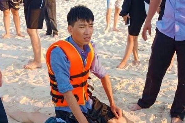 Tắm biển, một học sinh lớp 9 bị đuối nước