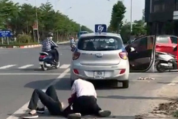 Công an Hà Nội chấn chỉnh cán bộ sau vụ đại úy đứng xem tài xế bắt cướp