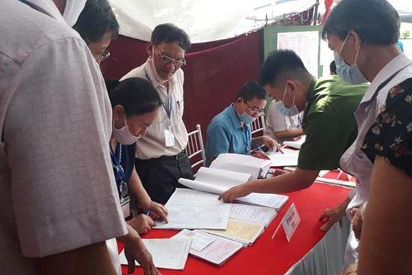 Nam Định: Một số xã, phường có 100% cử tri bỏ phiếu trước 15h