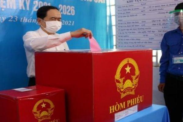 Phó Chủ tịch Thường trực Quốc hội Trần Thanh Mẫn bỏ phiếu tại Cần Thơ