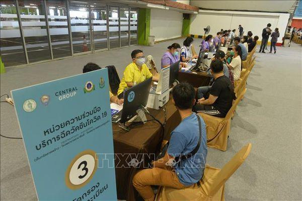 Đa số người dân Thái Lan đồng ý tiêm vaccine do Chính phủ cung cấp