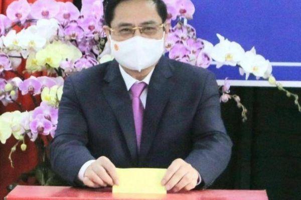 Thủ tướng Phạm Minh Chính bỏ phiếu bầu cử ở Cần Thơ