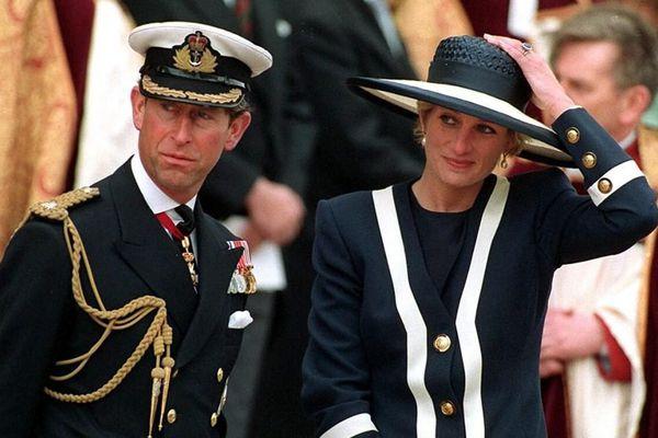 Biết tin Công nương Diana qua đời, câu nói đầu tiên mà Thái tử Charles thốt ra gây ngỡ ngàng