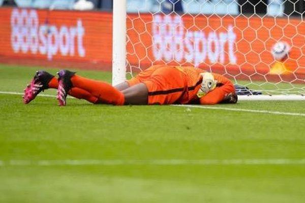 Chelsea 'mất' thủ môn số 1 ở chung kết Champions League