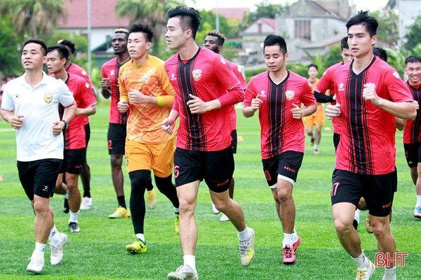 Hồng Lĩnh Hà Tĩnh hội quân chờ ngày V.League khởi tranh trở lại