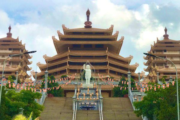 Sắc màu hân hoan Kính mừng Phật đản tại TP.Thủ Đức