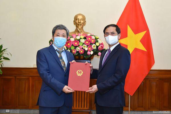 Đại sứ Trần Ngọc An giữ chức Vụ trưởng Vụ châu Âu