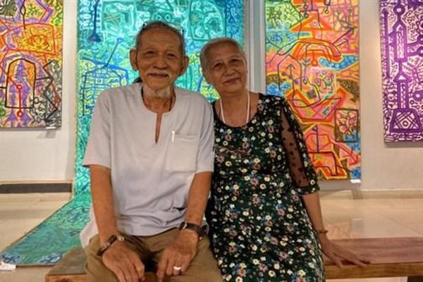 Sức trẻ trong tranh của vợ chồng nghệ sĩ tuổi 80