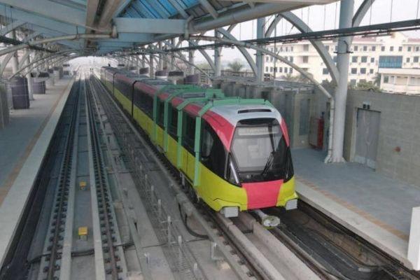 Đường sắt Nhổn - ga Hà Nội nhận đoàn tàu thứ 5, chạy thử hơn 5km