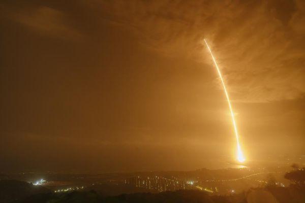 Tàu vũ trụ chở hàng của Trung Quốc cập bến trạm vũ trụ Thiên Hòa