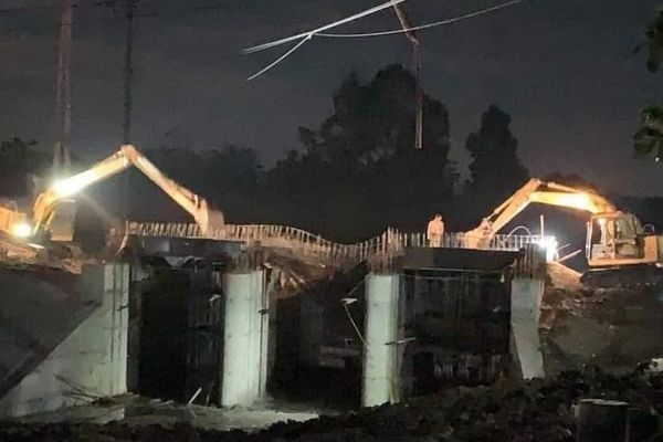 Ninh Bình: Cầu Hà Thanh - Yên Mô đổ sập trong đêm khi đang thi công