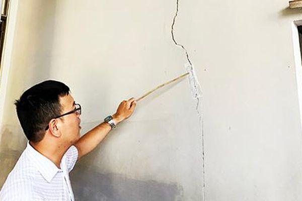 Xây dựng công trình gây hư hỏng nhà lân cận: Còn vướng mắc trong việc xử lý