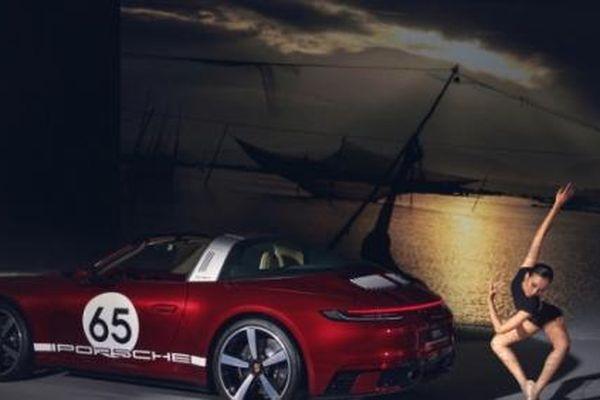 Porsche 911 Targa 4S Heritage 11,59 tỷ đồng lăn bánh tại Việt Nam