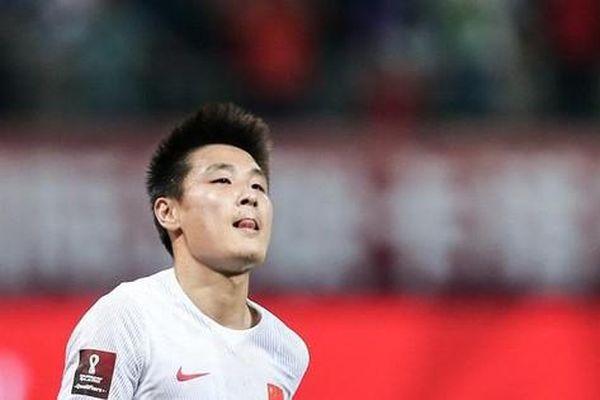 'Học' tuyển Việt Nam, Trung Quốc hủy đăng cai, xin chuyển tới UAE đá vòng loại World Cup