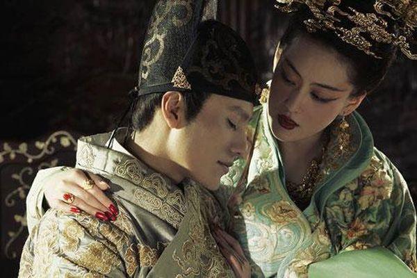 Bí mật về vị Hoàng đế bị 'cắm sừng' nhiều nhất trong lịch sử: Cuối đời vẫn không có người nối dõi