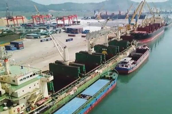 Thanh Hóa: Nỗ lực tháo gỡ khó khăn, khắc phục những bất cập trong việc khai thác cụm cầu cảng Nghi Sơn