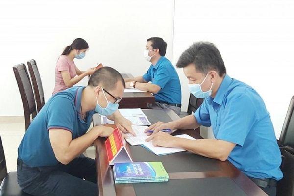 Quảng Ninh lập điểm tư vấn pháp luật cho công nhân tại các khu công nghiệp