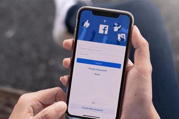 Facebook gặp lỗi không hiển thị hình ảnh, bấm vào xem thì mất bài đăng, bạn có bị không?