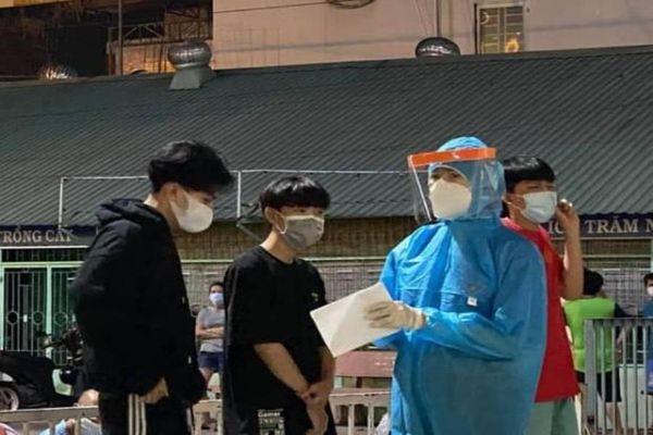 MC Quỳnh Hoa xung phong vào tâm dịch hỗ trợ chống COVID-19