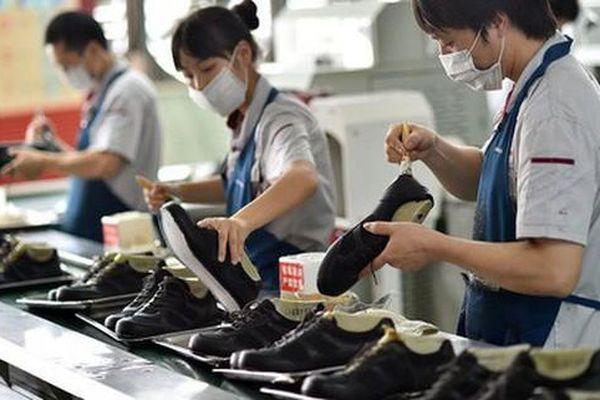 Doanh nghiệp dệt may, da giày cố xoay trở sản xuất giữa lúc TPHCM giãn cách xã hội