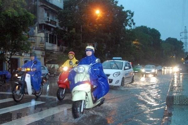 Tối nay, khu vực nào ở Hà Nội có mưa dông?