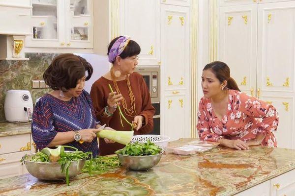 Nghệ sĩ Trung Dân công khai tình cảm với Phi Phụng ở Kiếm chồng cho mẹ chồng