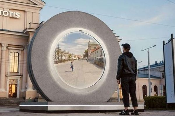 'Cổng không gian' nối hai thành phố tại Lithuania và Ba Lan