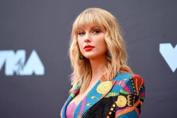 Taylor Swift trở lại màn bạc