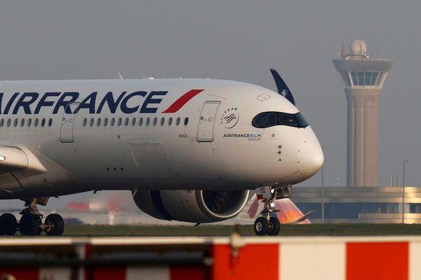 Pháp điều tra 'thiết bị nổ' đáng nghi trên máy bay