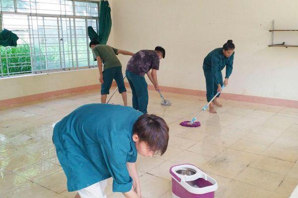 Chuẩn bị khu cách ly tập trung tại Trường THCS Chu Văn An