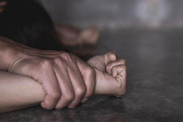Ép ký 'hợp đồng tình dục': Dấu hiệu tội cưỡng dâm, cưỡng đoạt tài sản