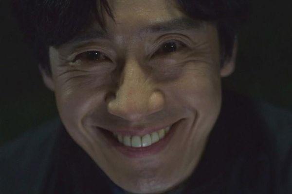 Màn chế giễu sự yếu kém của cảnh sát Hàn đầy cay đắng trên phim