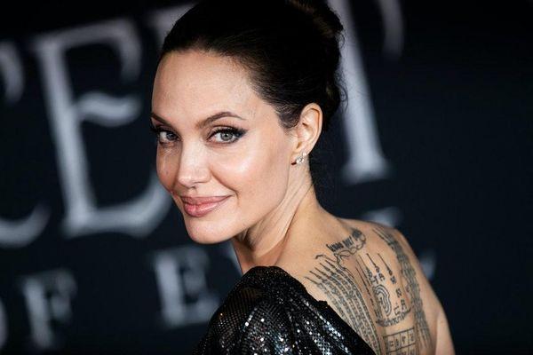 Cái khó của Angelina Jolie