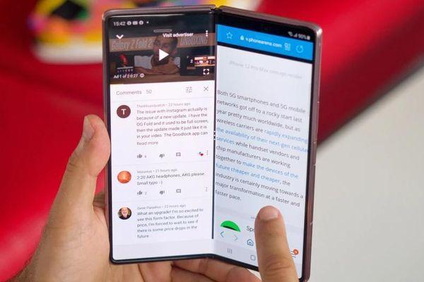 Samsung đăng ký smartphone gập làm ba