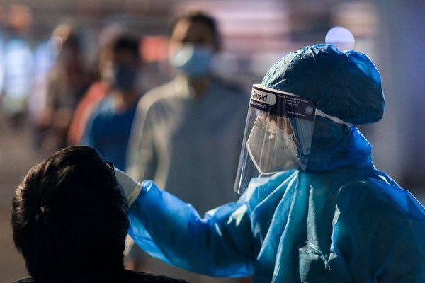 Ngành y tế Gò Vấp áp lực vì người lao động đổ xô đi xét nghiệm nCoV