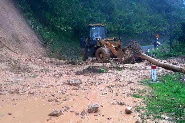 Mưa lớn làm nhiều tuyến đường ở Lai Châu bị sạt lở
