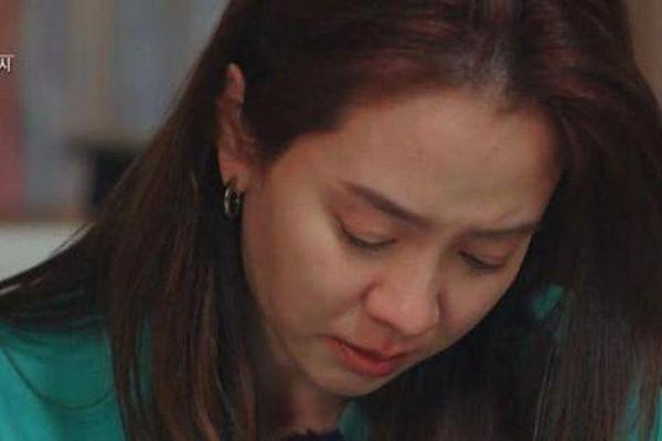 Ji Hyo bật khóc tạm biệt Kwang Soo, netizen xót xa vì 'lời nguyền 5 năm' của Running Man