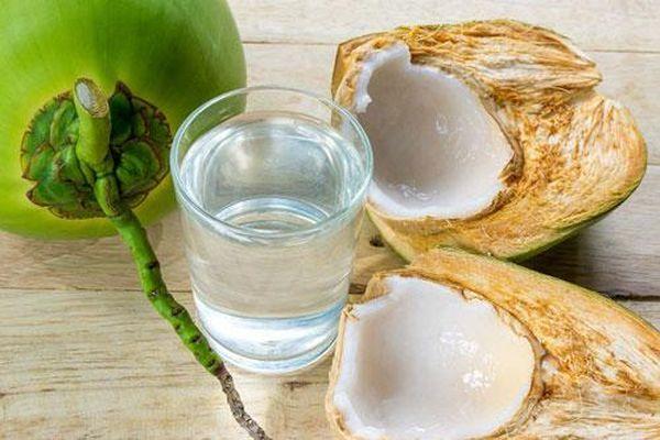 Bạn đã biết cách sử dụng nước dừa để đẹp da?