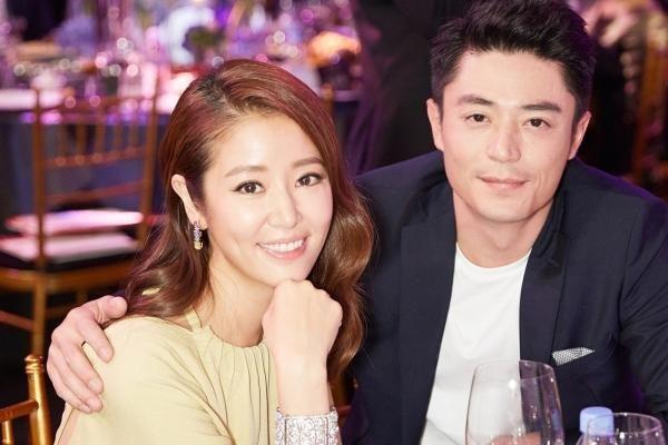 Lâm Tâm Như khoe ảnh nắm tay Hoắc Kiến Hoa, chứng minh hôn nhân vẫn ngọt ngào