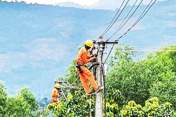 Công ty Cổ phần Điện lực Khánh Hòa đẩy mạnh phong trào Toàn dân bảo vệ an ninh Tổ quốc