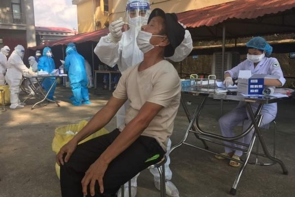 Đẩy mạnh xét nghiệm và thực hiện nghiêm quy định phòng chống dịch tại Quế Võ, Bắc Ninh