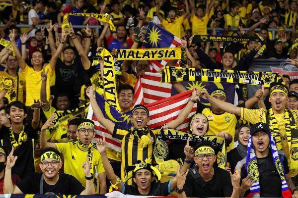 Bóng đá Malaysia trong công cuộc 'xây nhà từ nóc'