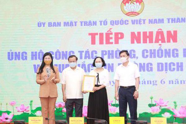 Gia đình nguyên Bí thư Hà Nội Phạm Quang Nghị ủng hộ 100 triệu đồng mua vắc-xin Covid-19