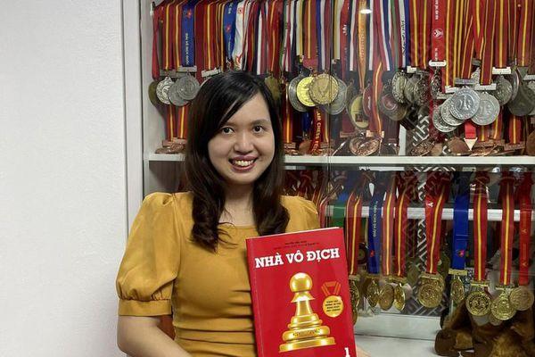Nhà xuất bản Kim Đồng phát hành bộ sách 'Nhà vô địch' dạy trẻ chơi cờ vua