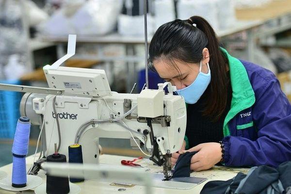 IFC hỗ trợ Việt Nam gia tăng năng lực sản xuất PPE