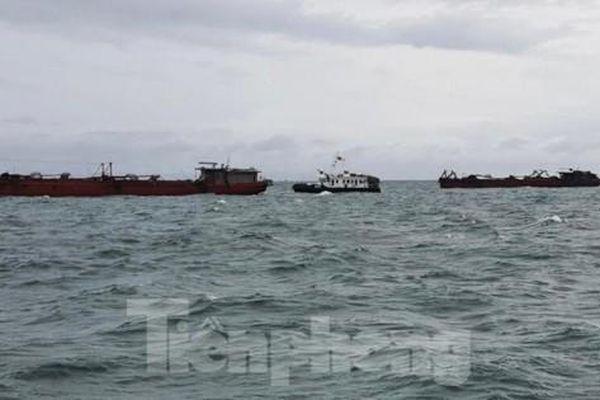 Ra đa Hải quân phát hiện 5 xà lan nhập cảnh từ Campuchia về Việt Nam
