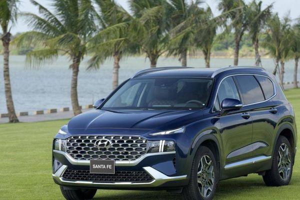 Hyundai SantaFe bán chạy bất ngờ giữa mùa dịch