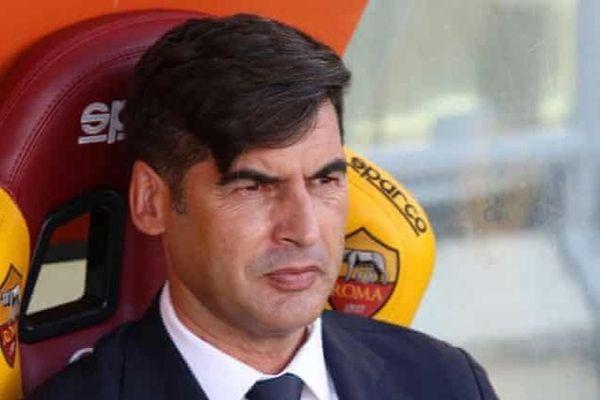 Tottenham tìm kiếm huấn luyện viên mới