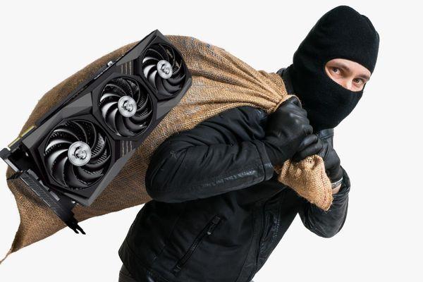 Trộm 7 card đồ họa giá 8.000 USD từ quán net
